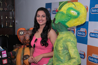 Sonakshi Sinha Looks Really Cute and Beautiful at Radio City FM Promoting Joker