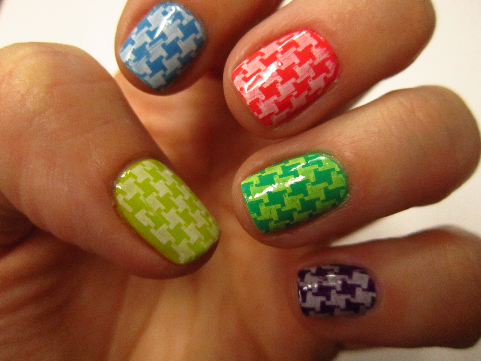 Glitter Tips: The New 31 Day Nail Challenge - Day 7
