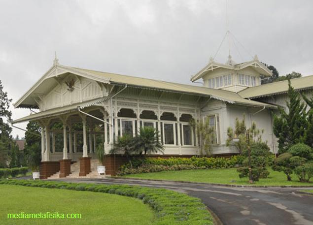 Peristiwa Misterius Dalam Istana Negara