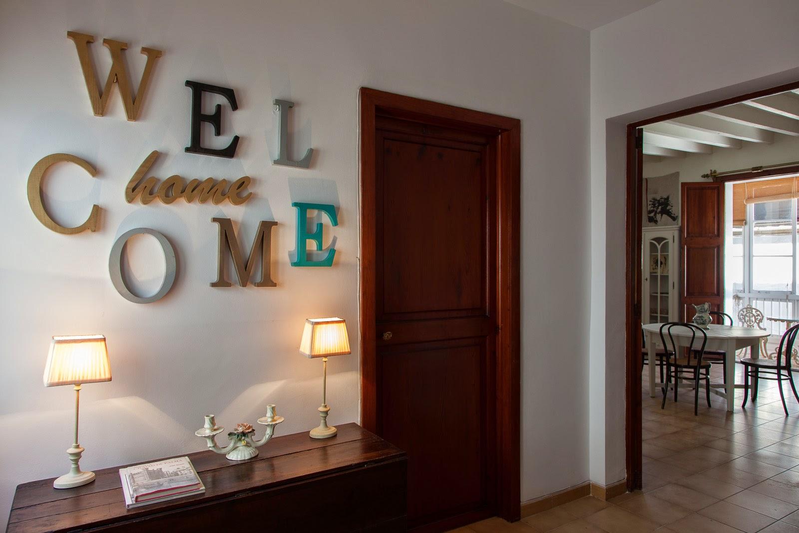 Decora tu casa con letras y palabras personalizadas evyre - Casa letras madera ...
