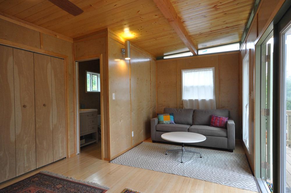 Small prefab homes prefab cabins prefab cabins studios for Prefab studio