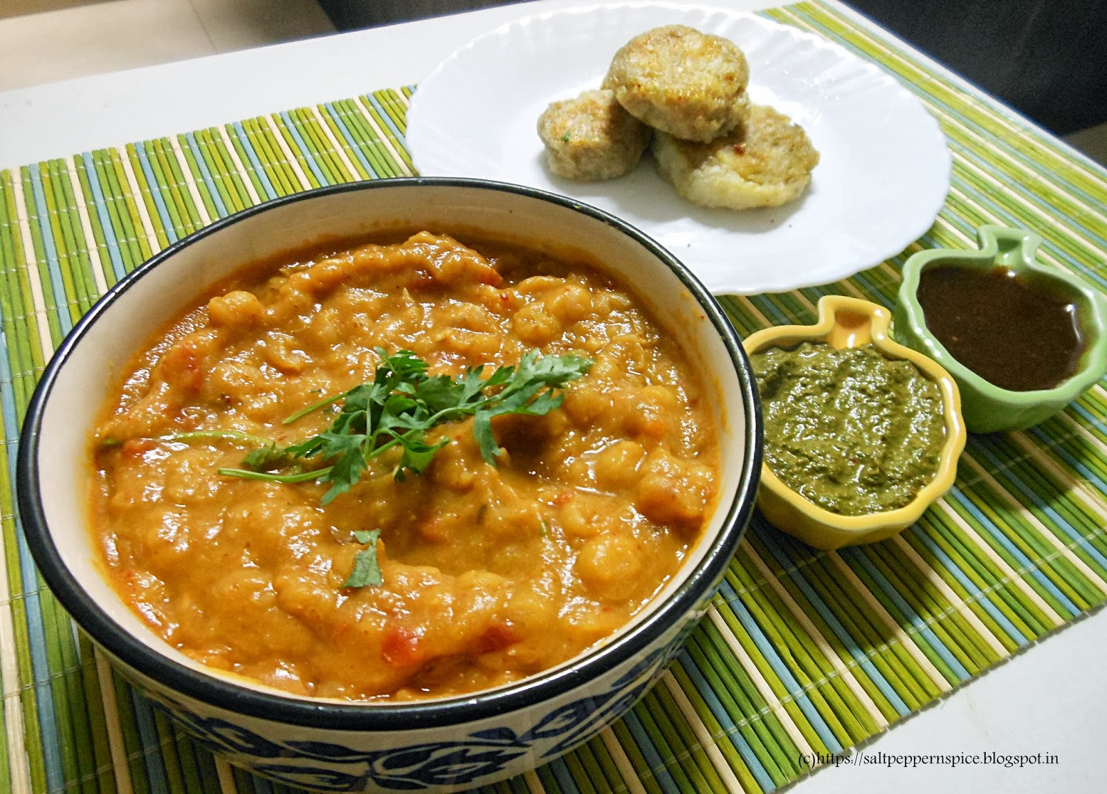 Salt and pepper with a lot of spice ragda patties indian street the components of ragda patties forumfinder Choice Image