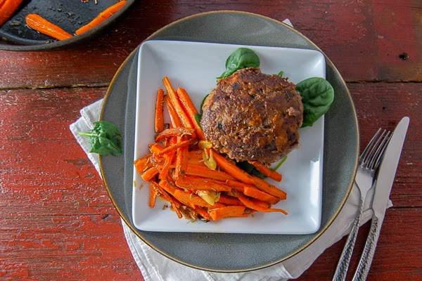 Anthropologie, Anthropology, beef, cast iron skillet recipe, gluten free hamburgers, hamburgers, healthy cooking, Lawry's seasoning salt, Miami cooking, paleo burgers, paleo supper ideas, pan fried carrots,