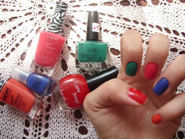 Kolorowe szaleństwo na paznokciach