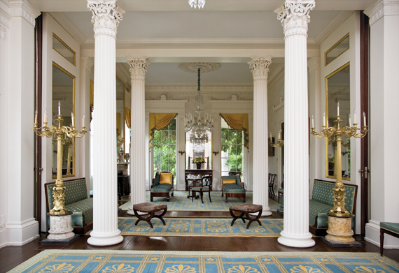 Eye for design antebellum interiors with southern charm for Plantation columns