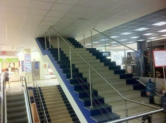 FAIL ARCHITECTURE - stairs