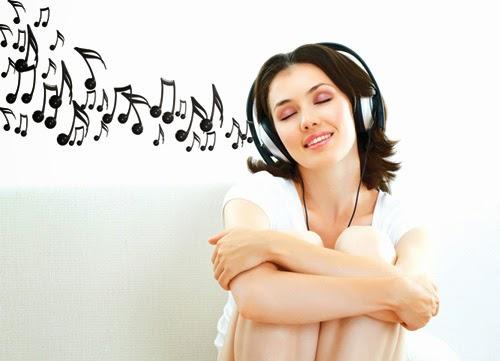 Nghe một bài hát hạnh phúc hoặc ưa thích mỗi sáng thức dậy