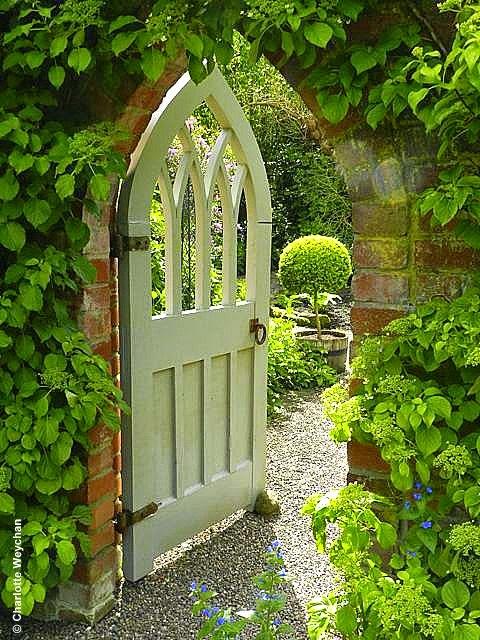 The Galloping Gardener Must See British gardens