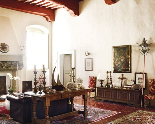 Eye for design decorating in old spanish colonial style for Colonial house interior design