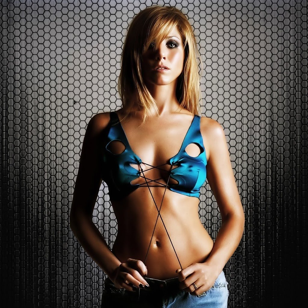 http://2.bp.blogspot.com/-2nW4-5wbQIo/TdrF-NIiMgI/AAAAAAAAAE0/_Mtk5sUFnws/s1600/female-celebrities-free-wallpapers003-Jennifer_Aniston_sexy-3D-Female-Celebrity-Wallpapers.jpg