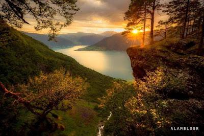Pemandangan Indah Alam Mendamaikan Jiwa