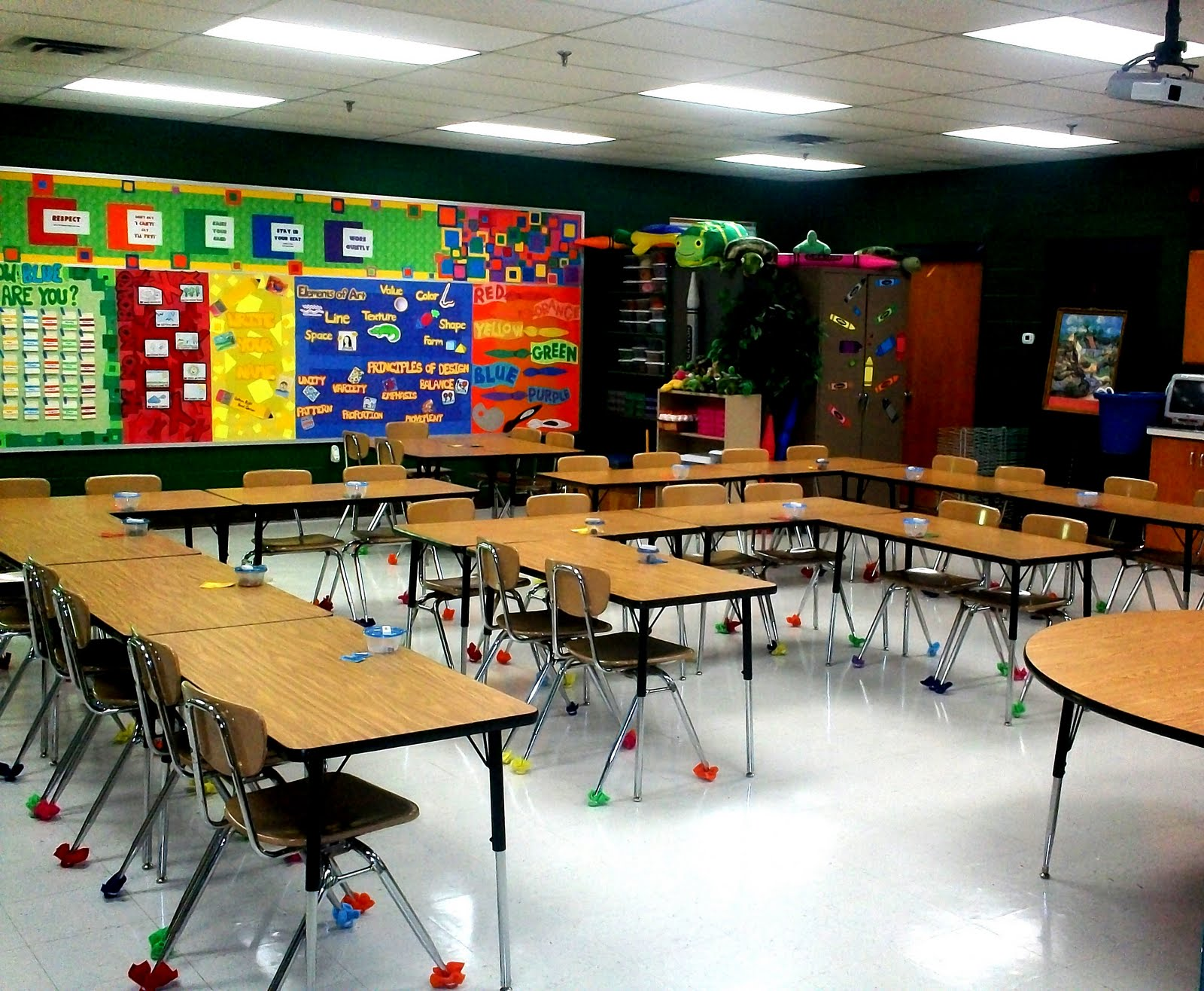 Elementary Classroom Ideas ~ Art with mr e room set up