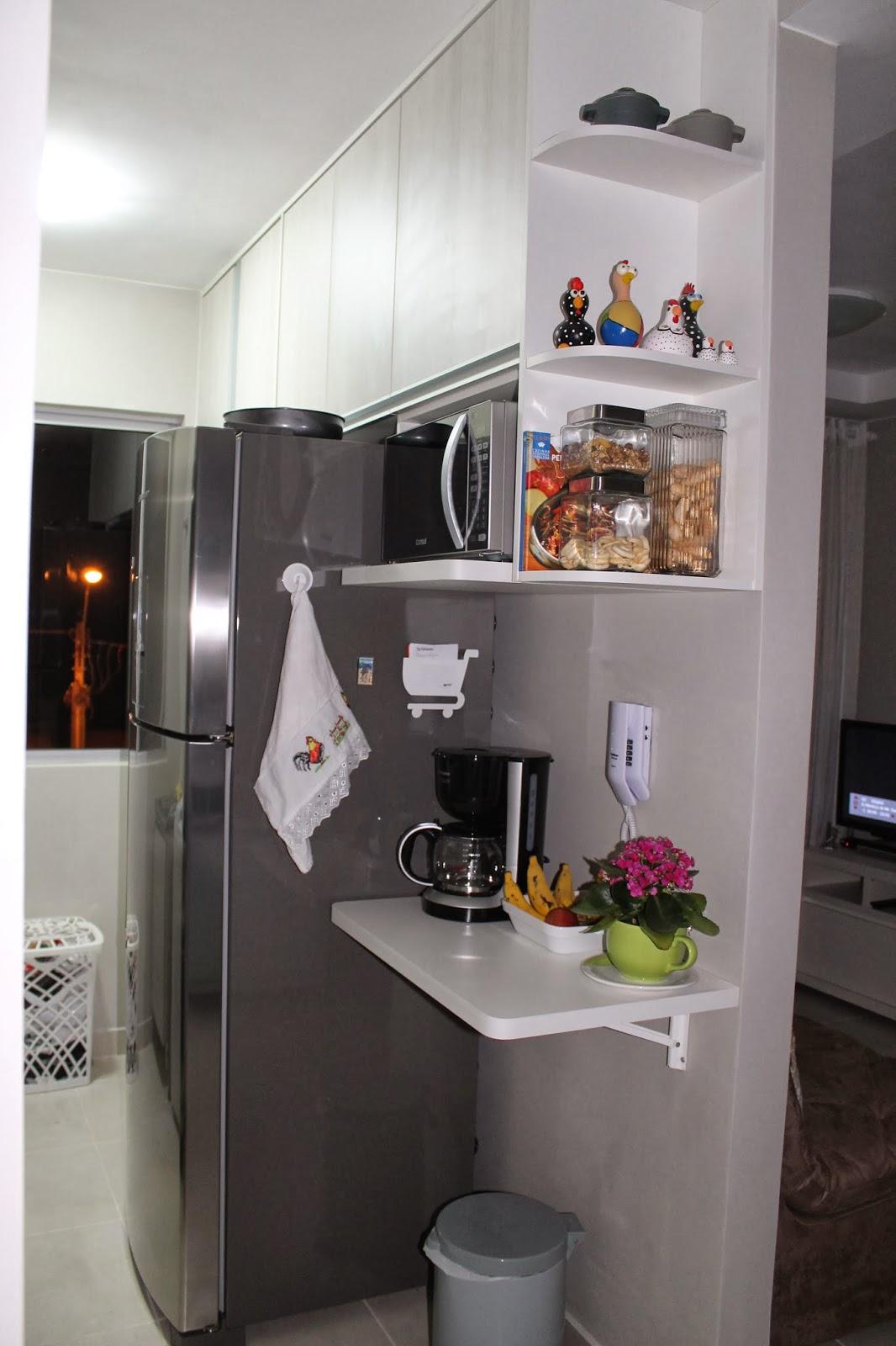 #766748 Esqueçam aquele cestinho de roupa suja ali próximo a janela na  182 Janelas De Vidro Na Cozinha