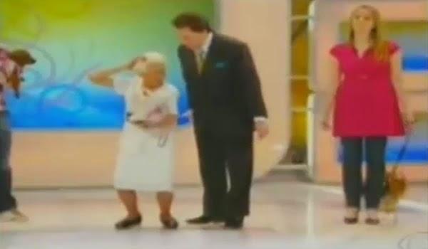 FUNKEIRA DE 90 ANOS É ASSEDIADA POR SILVIO SANTOS