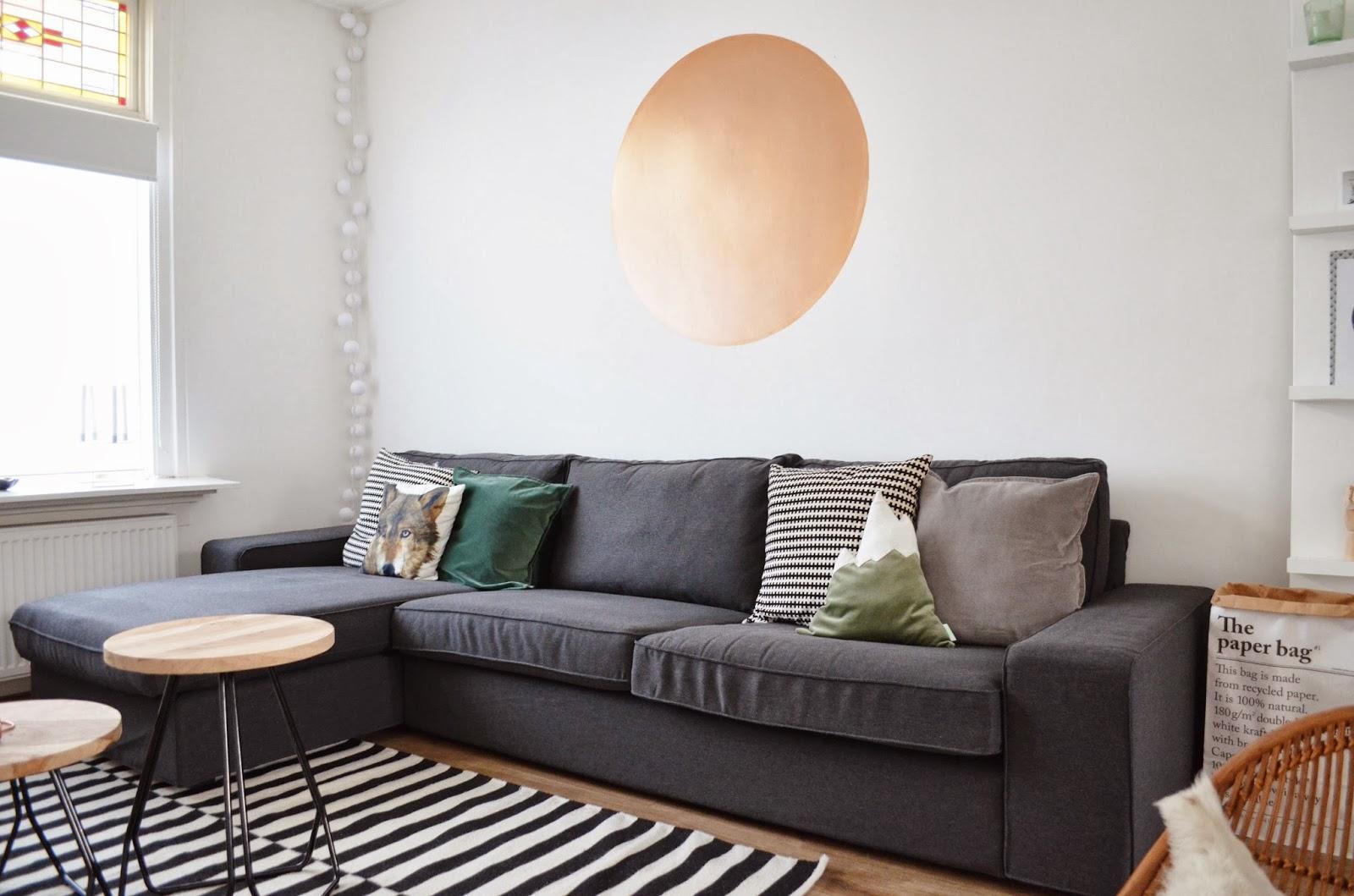 Diy: koperkleurige cirkel op de muur