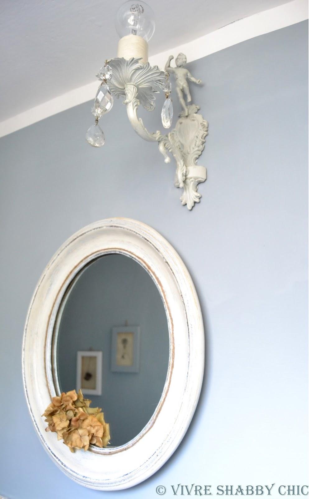 Vivre shabby chic un restyling facile e veloce per il bagno - Applique per il bagno ...