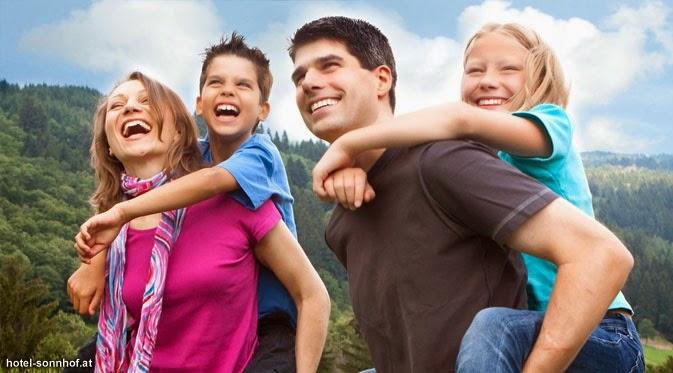 Liburan Bersama Keluarga Lebih Hemat Pakai Cara Ini!