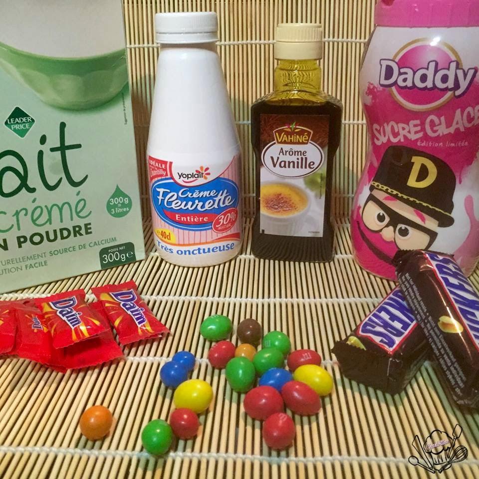 Ingrédients crème glacé lait en poudre sucre en poudre vanille