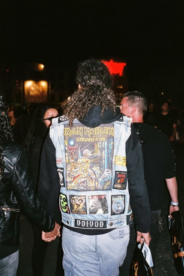 http://noisey.vice.com/fr/blog/les-vestes-a-patches-du-hellfest-2014