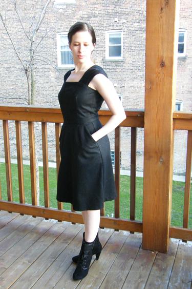 Black Wool Cambie