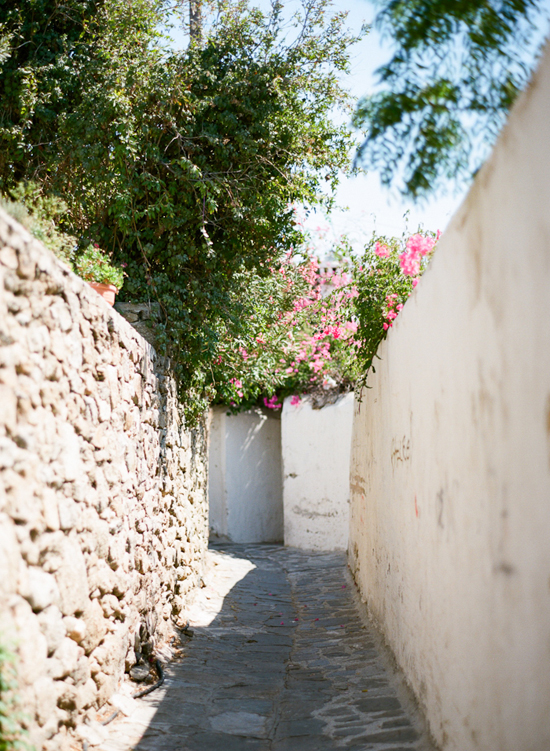 Mykonos island photographed by Marta Locklear (via Entouriste) #Mykonos #Greece