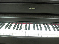 Roland HP507 digital piano