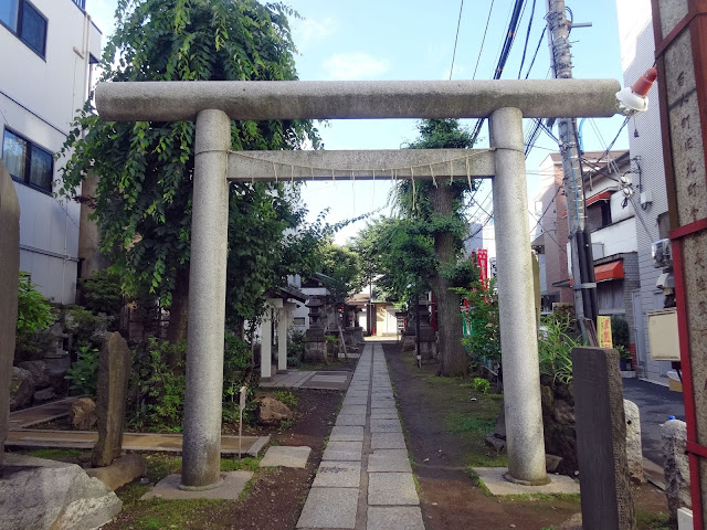 皆中稲荷神社,新大久保〈著作権フリー無料画像〉Free Stock Photos