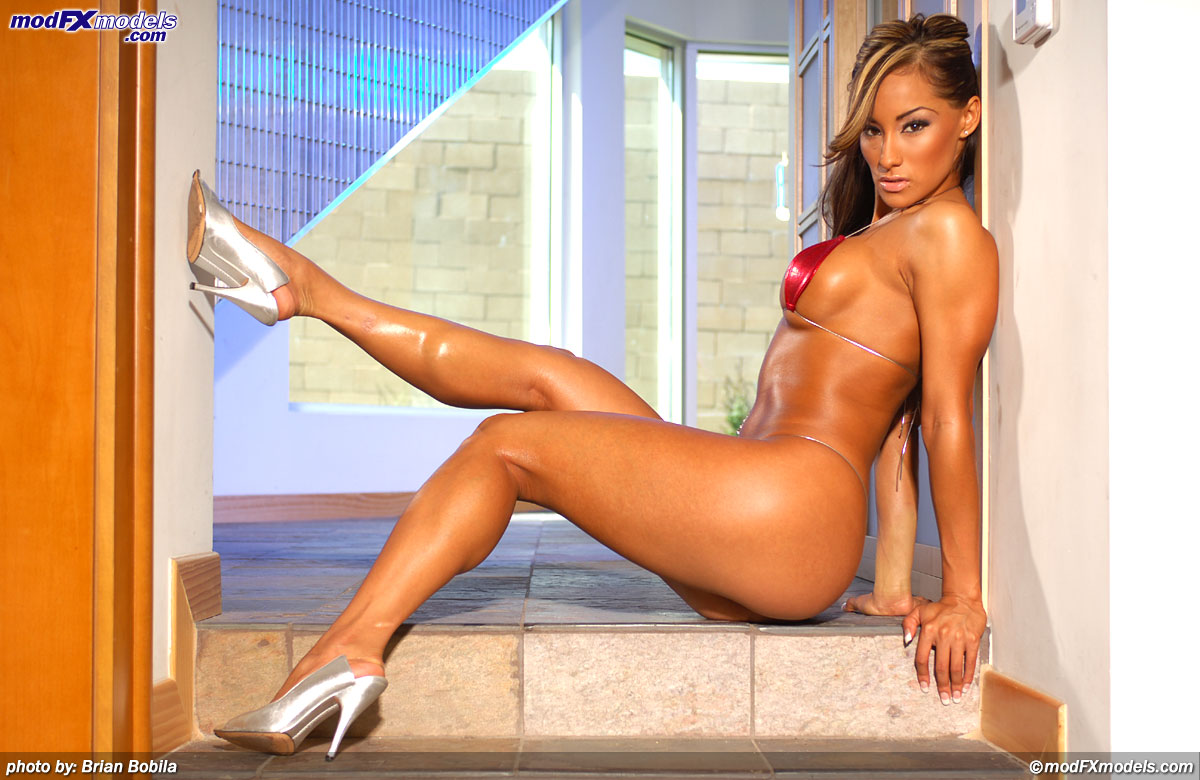 khloe kardashian nude and sexy