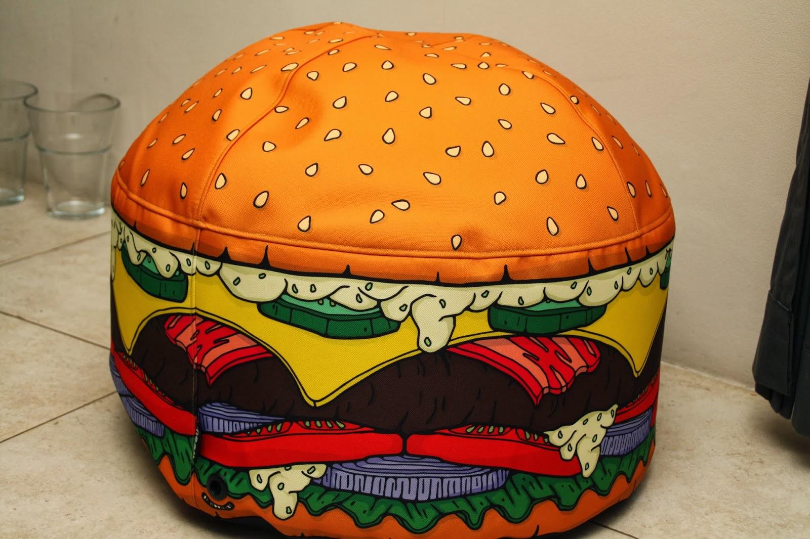 pouf hamburger woouf