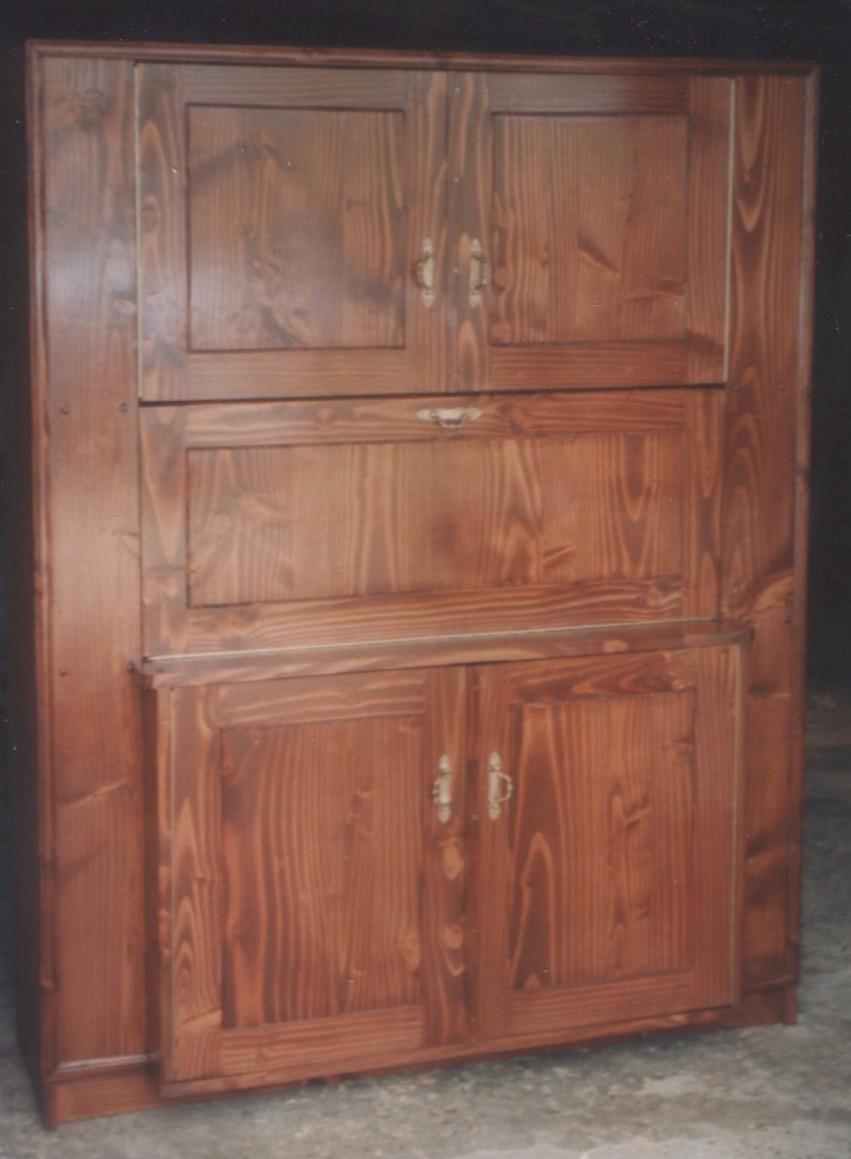 Mueble tipo bar de pino oreg n fabricaci n de muebles for Bar de madera chile