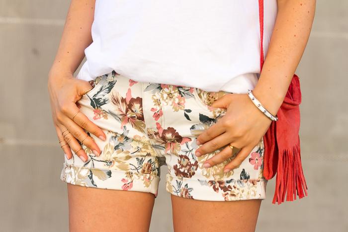 Pantalones cortos con Estampado floral tendencia