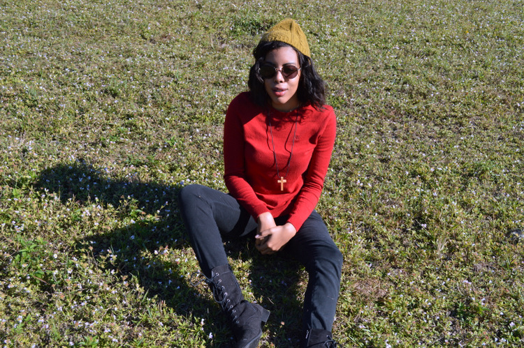 Fashion Blogger Anais Alexandre of Down to Stars in a vintage ralph lauren sweater, first kiss pants, black combat boots, vintage American Apparel sunglasses and Forever 21 beanie