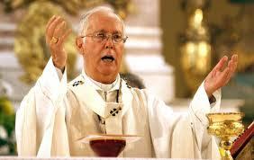 Aparecen narco-mantas en 14 municipios de Guanajuato. Aceptan tregua ante visita de Benedicto XVI.