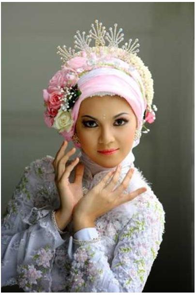 ... Cara Memakai Jilbab Pengantin Modern Dengan Mahkota Bunga Download