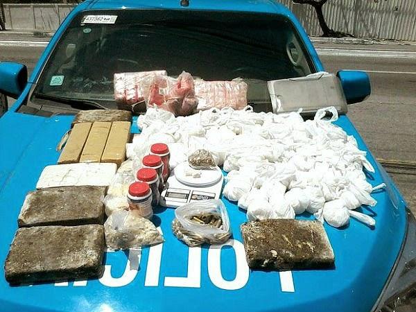 PM encontra tonel enterrado com mais de 2 mil cápsulas de cocaína em Cabo Frio