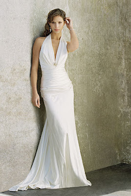 Plain elegant white wedding dress designs wedding for Simple elegant wedding dress designers