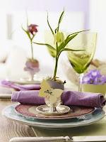 Декорация за маса с пролетни цветя