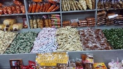 Pasar Baru, Restoren Padang Simpang Raya, Toko Tiga, Kilang Kerepek