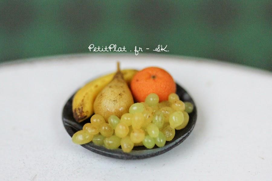 Miniature Fruit Bowl - Banane, pear, Orange, Grapes - Miniature Food Art by Stephanie Kilgast, PetitPlat