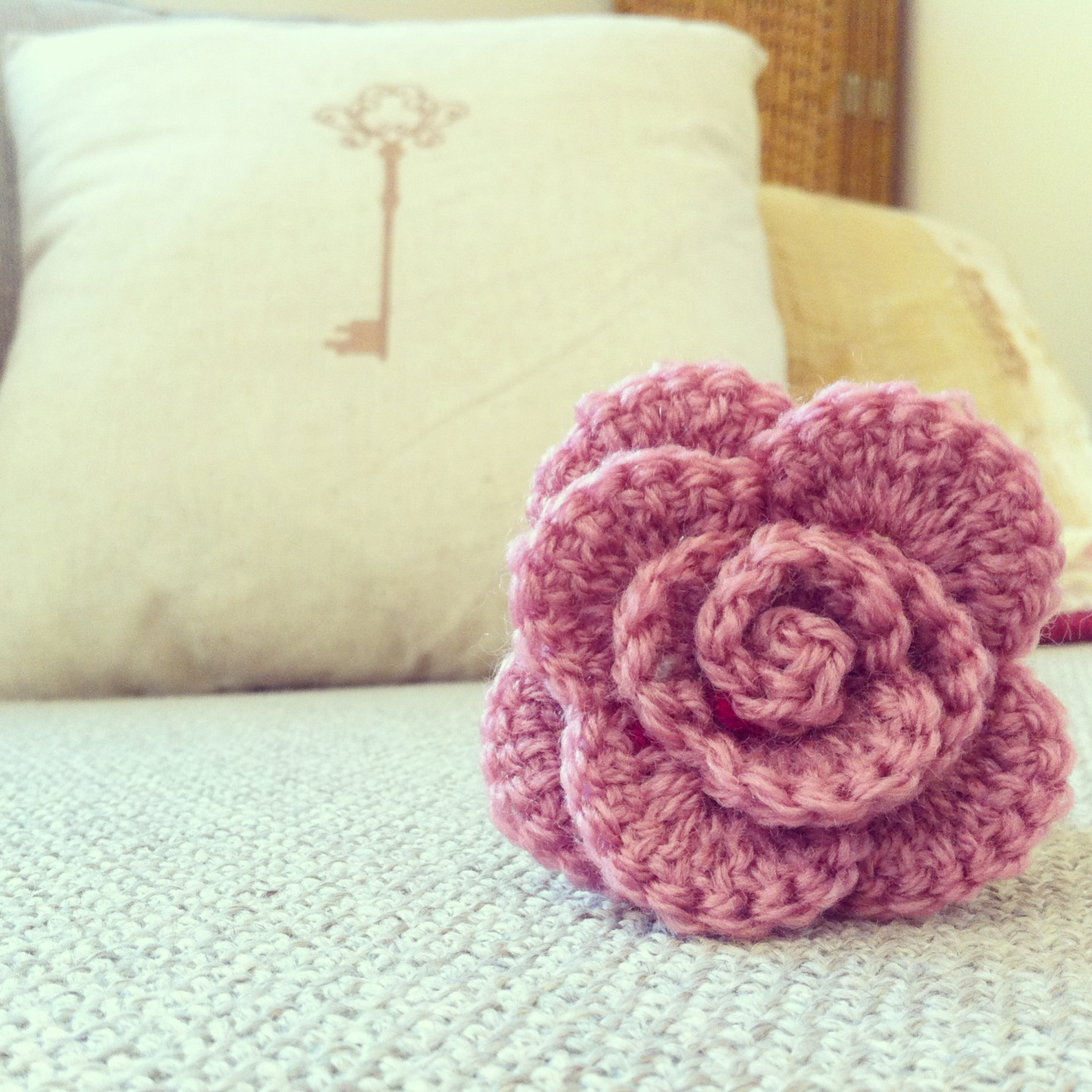 Small Rose Flower Crochet Pattern : Melanie Eman: Crochet Rolled Rose