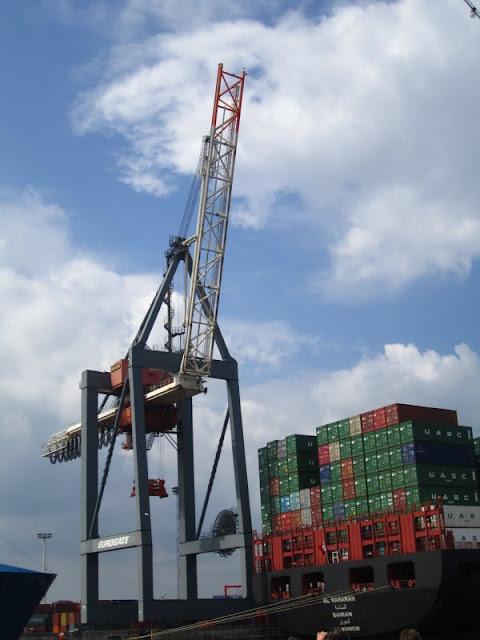 Crane in Hamburg harbor front. Hamburg, Germany.