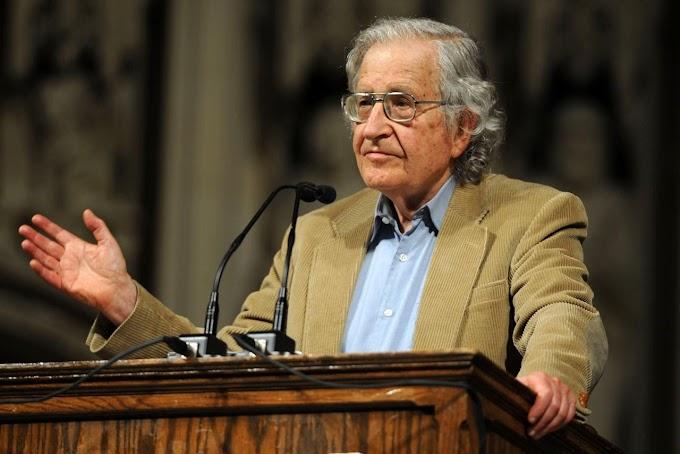Avram Noam Chomsky - ông là ai?