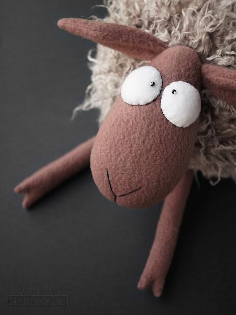 Овечка - символ 2015 года! Сшить игрушку своими руками. Купить.
