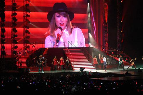 Foto Taylor Swift Red Tour Jakarta