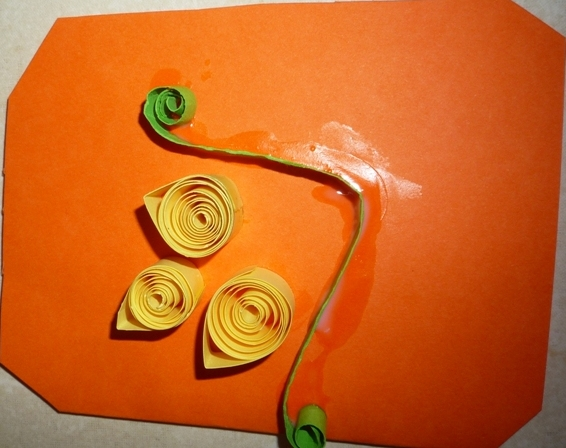 Innovative art and craft works paper quilling work for Paper quilling work