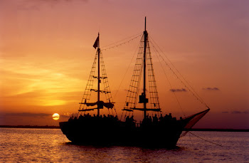 Columbus caravel galleon 60 people