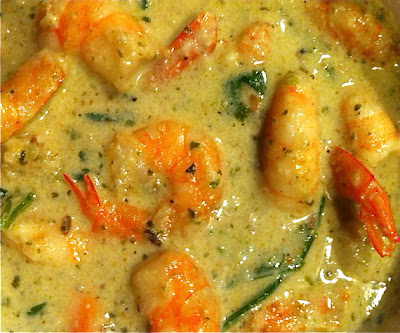 Lesley's Kitchen, artisan catering: Healthy Thai green prawn curry