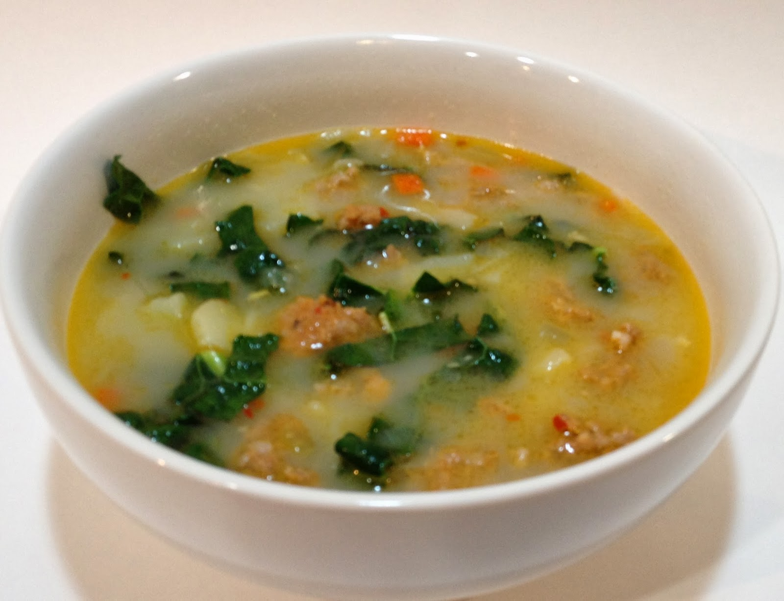 The Boozy Epicure: Sausage, Potato and Kale Soup (aka Zuppa Toscana)