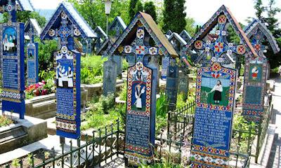 El Cementerio Alegre, Sapanţa, Rumania