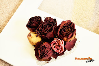 How to Display Dried Roses